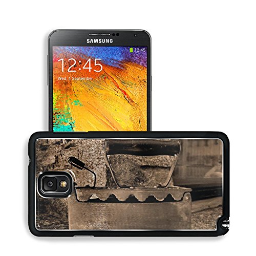 Old Retro Iron Antique Sepia Samsung Note 3 N9000 Snap Cover Premium Aluminium Design Back Plate Case Open Ports Customized Made To Order Support Ready 5 14/16 Inch (150Mm) X 3 2/16 Inch (80Mm) X 11/16 Inch (17Mm) Msd N3 Note 3 Professional Cases Accessor front-625408