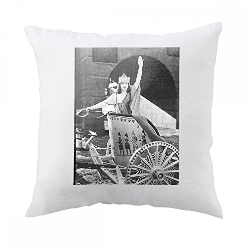 pillow-with-woman-in-chariot