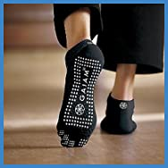 Gaiam All Grip Yoga Socks Grey Dots, Medium/Large
