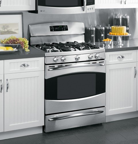 GE Profile : PGB910SEMSS 30 Gas Range, 5 Sealed Burners, Griddle, Self Clean - Stainless Steel