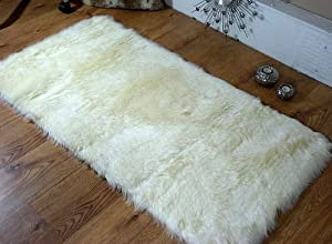 Cream Faux Fur Sheepskin Rug Rectangle Shape 70cm x 100cm