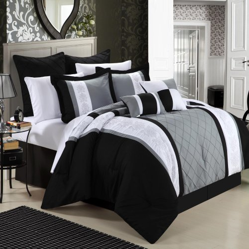 Black Queen Bed Set 4772 back