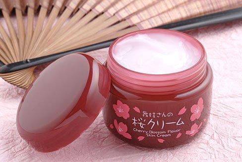 舞妓さんの桜クリーム