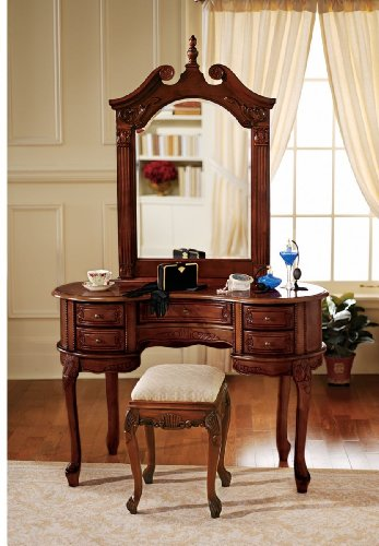 The Queen Anne Dressing Table and Mirror
