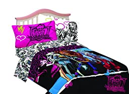 Mattel 76-Inch by 86-Inch Microfiber Comforter, Monster High Ghouls Rule, Full