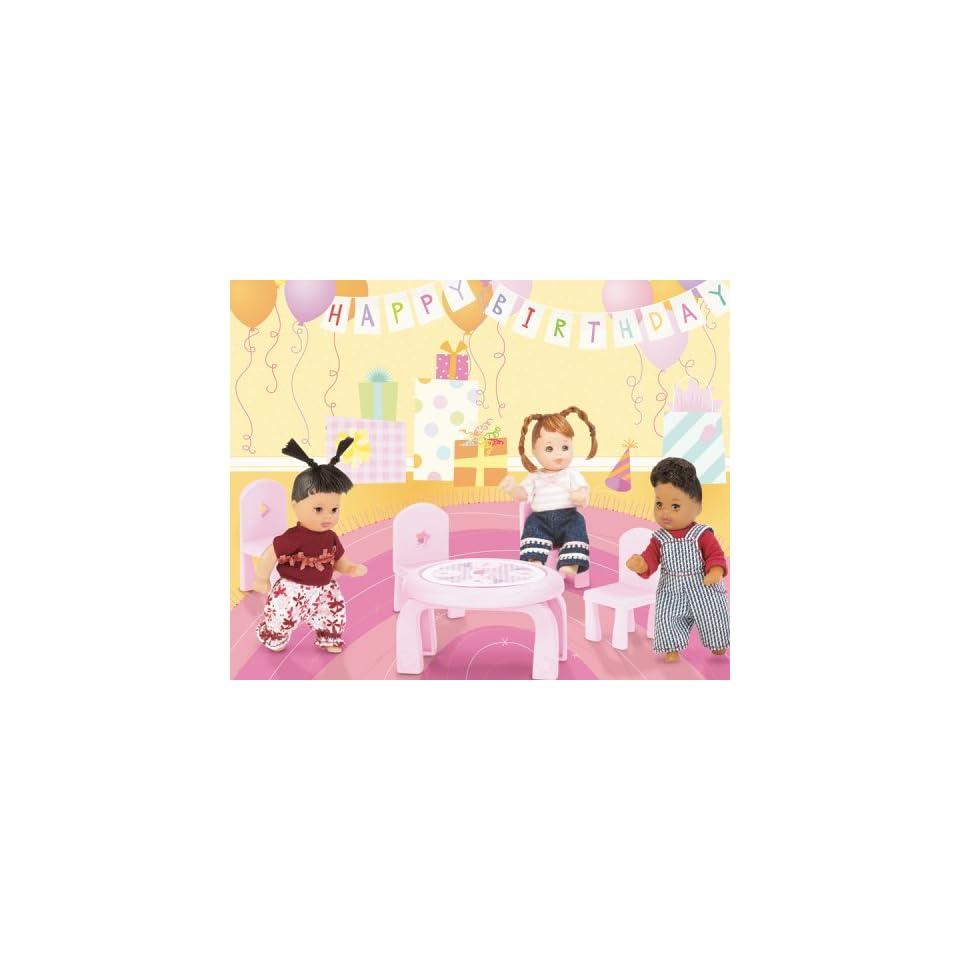 Barbie C2393 0 Happy Family Volvo Spielzeug