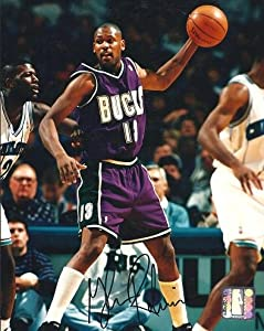 Glenn Robinson Autographed Hand Signed Milwaukee Bucks 8x10 Photo by Real Deal Memorabilia