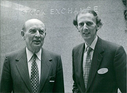 vintage-photo-of-william-batten-with-nicholas-goodison-at-the-stock-exchange-in-london-1980