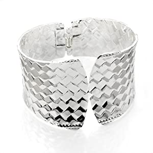 Ladies Chunky Fashion Design Silver Colour Hinge Bangle Brand New
