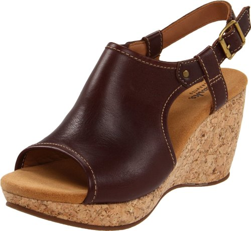 Clarks Women's Harwich Helm Wedge Sandal,Dark Brown Leather,8 M US