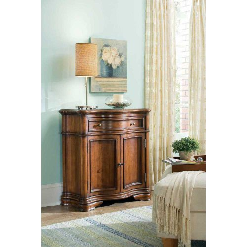 Hooker Furniture Waverly Place Shaped Wood Top Hall Console In Cherry front-538741