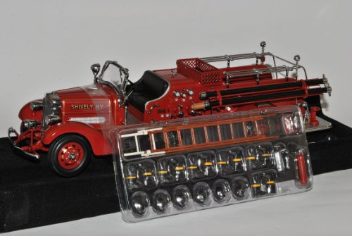 Ahrens Fox VC 1938 Rot Feuerwehr Signature 1/24 Yatming Modell Auto