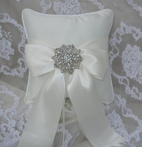 Raebella New York Satin Ring Pillow With Crystal Brooch For Traditional Wedding Ceremony (Ivory) front-772403