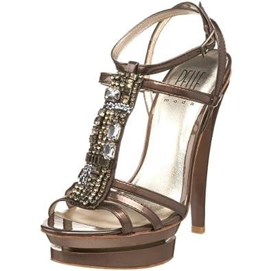 ربيع \/ صيف 2013أطلاق شركة برادا لمجموعتها الجديده من الأحذيهموضة