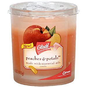 Glade Peaches & Petals Candle 4 ounce