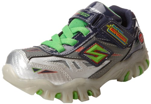 Childrens Light Up Shoes front-1073349
