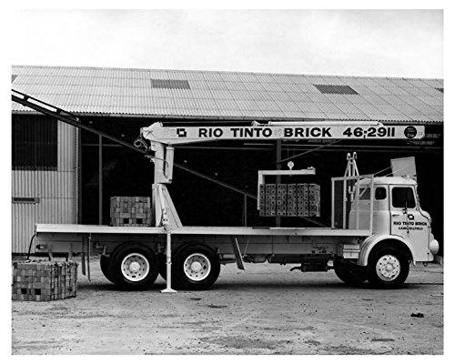1964-leyland-crane-truck-photo-poster-rio-tinto-brick
