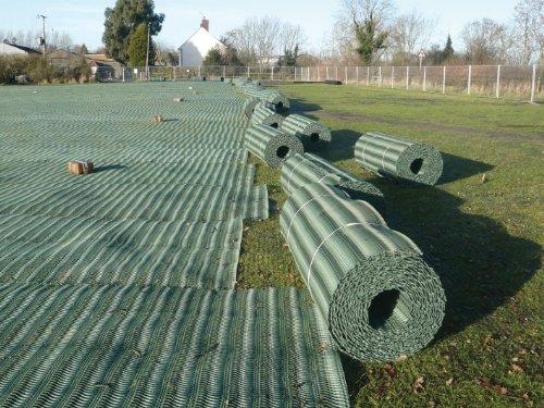 grass-reinforcement-mesh-2-x-20m-turf-protection-driveway-car-parking-bay-mat-11mm-heavy-duty-lawn-a