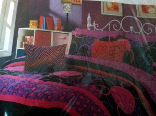 Great Beyonce Piece Comforter Set Twin x Bed in a Bag Pink Purple and