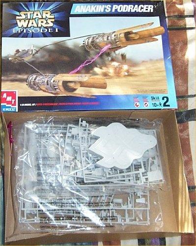 Anakin's Podracer 1:32 Model Kit with Plus Pack - Skill 2 - Star Wars Episdoe I Series