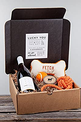 ONEHOPE Pinot for Paws Woof! Gift Set, California Pinot Noir 750 mL Wine by ONEHOPE Wine