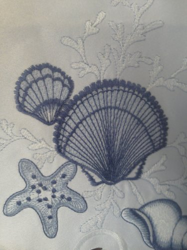 "15"" Round Doily Or Placemat Embroidered With Blue Seashells On White Material front-5709"