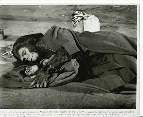 Escape From The Planet Of The Apes Kim Hunter & Baby Milo 8 X 10 Promo Photo #15