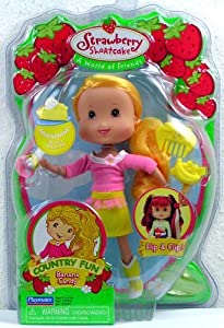 Amazon.com: Strawberry Shortcake Country Fun Banana Candy Doll: Toys