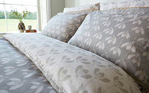 scion-bedding-snow-drop-oxford-pillowcase-parchment