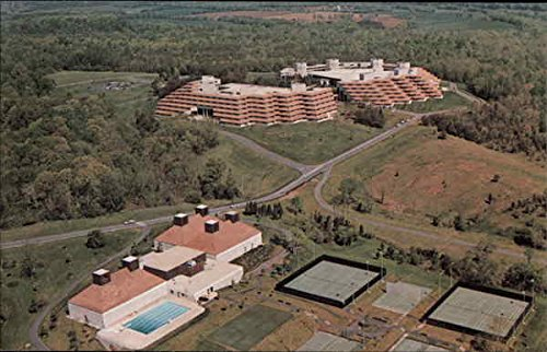 aerial-view-of-xerox-international-center-leesburg-virginia-original-vintage-postcard