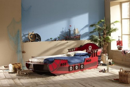 BRAND NEW CHILDREN'S KIDS BOYS PIRATE THEMED 3FT SINGLE BED FROM CENTURION PINE