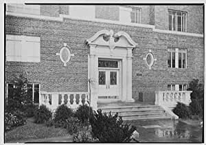 Photo Nathan Hale Apartment Forest Hills New York Entrance De