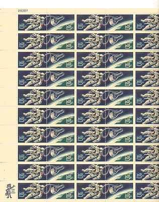 Space-Walking Astronaut Sheet of 50 x 5 Cent US Postage Stamps NEW Scot 1331-2
