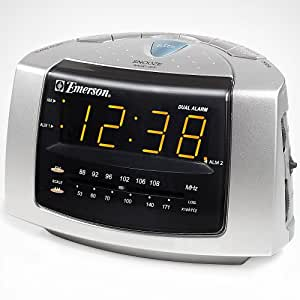 emerson ck5051 dual alarm clock radio home kitchen. Black Bedroom Furniture Sets. Home Design Ideas