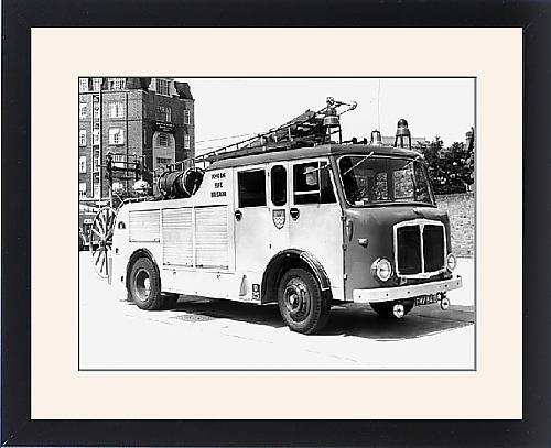 Framed Print Of London Fire Brigade Appliance Pump Escape front-568922