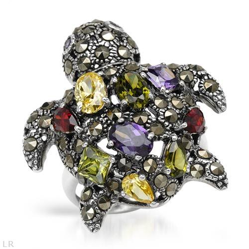 Ring With Cubic zirconia and Marcasites Beautifully Designed in 925 Sterling silver. Total item weight 9.3g (Size 8.5)