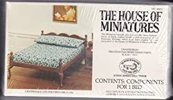 Dollhouse Furniture Kit- Chippendale Low Post Bed #40033 (The House of Miniatures)