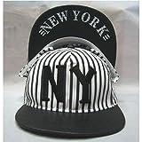 【超クール 】 NY & NEWYORK ロゴ &つば裏ロゴ 英字 刺繍 ストライプ ブラック ホワイト ストリート キャップ 男女兼用 フリーサイズ CAP ニューヨーク 野球帽 帽子 レディース メンズ 白 黒 【HAPPINESSMAILE】