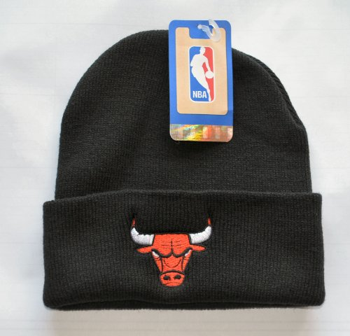 "Chicago Bulls Black ""Logo Only"" Beanie Hat - NBA Cuffed Cap at Amazon.com"