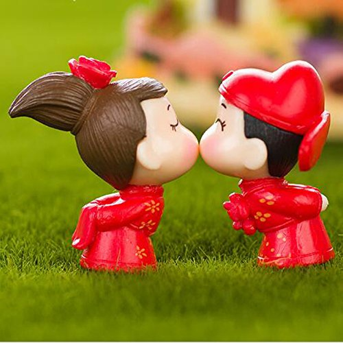 LU2000 Asian People Minifigures Small Size Micro Figurines Statue Kissing Couple [Wedding Series] for Micro Landscape Desk Home Decoration Little Statue Mini Sclupture Pack of 2