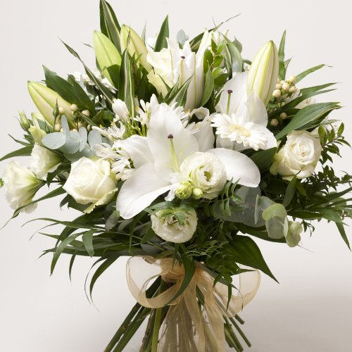 Fresh Flowers Delivered - Luxury Scented White Lily and Roses Hand-Tie Bouquet