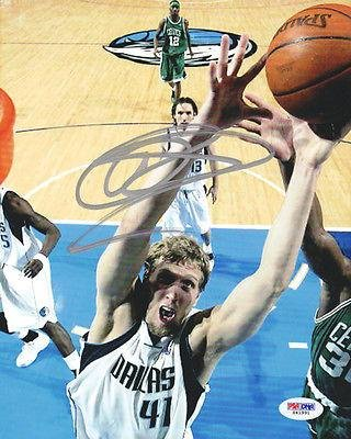 Signed Dirk Nowitzki Picture - 8X10 #S41991 - Psa/Dna Certified - Autographed Nba Photos