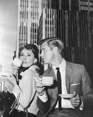 audrey-hepburn-as-holly-golightly-george-peppard-as-paul-fred-varjak-from-breakfast-at-tiffanys-1-ph