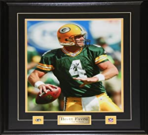 Brett Favre Green Bay Packers Signed 16x20 frame by Midway Memorabilia