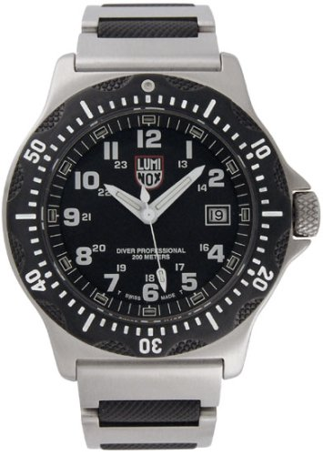 Luminox Men's 8202 Ultimate Navy SEAL Dive Watch