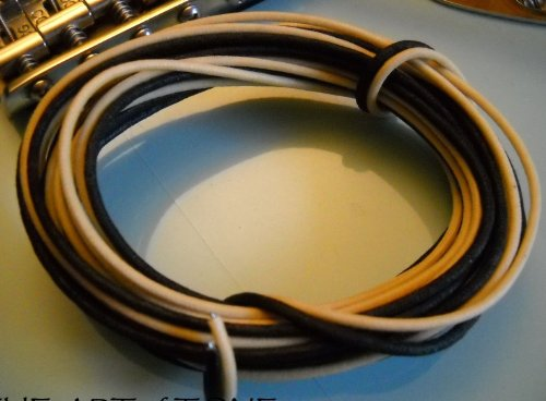 20 Feet (10 White/10 Black) Gavitt Cloth-covered Pre-tinned Pushback 22awg Vintage-style Guitar Wire