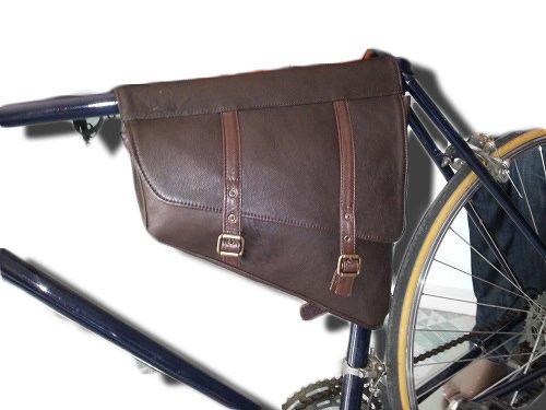 Borsa doppia per bici stile bisaccia in vera pelle, Mod: JIM 06/08 LARGO 32 CM X ALTO 30 CM