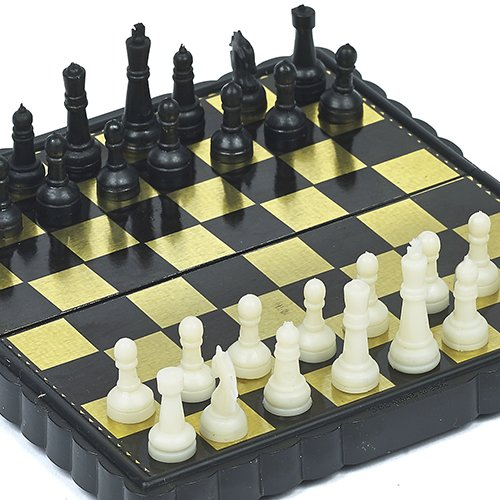 Pocket Size Magnetic Chess Set