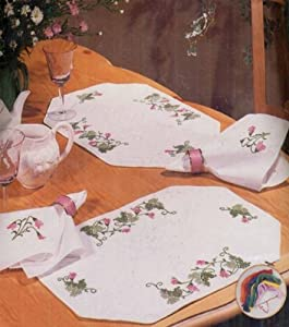 Tobin Stamped Placemats and Napkins for Embroidery, Ivy Vine
