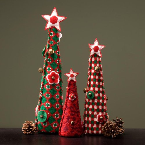 Enesco Jim Shore Heartwood Creek Set of 3 Knit Tabletop Christmas Trees